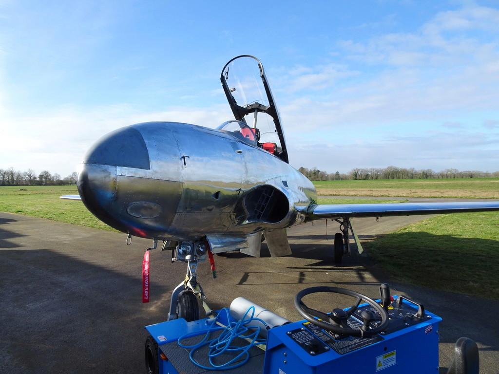 """Un T-33 Canadien arrive en France C-FUPK CT-133-AUP """"Silver star"""" Dsc04110"""
