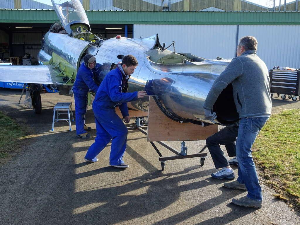 """Un T-33 Canadien arrive en France C-FUPK CT-133-AUP """"Silver star"""" Dsc04112"""