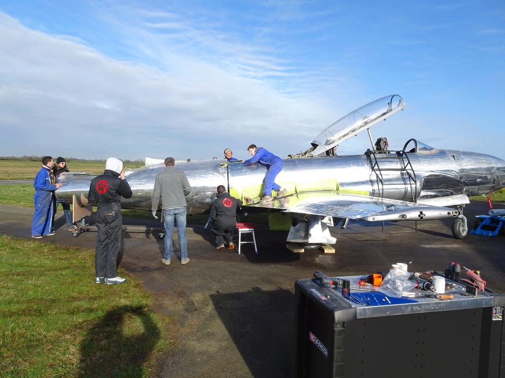 """Un T-33 Canadien arrive en France C-FUPK CT-133-AUP """"Silver star"""" Dsc04113"""