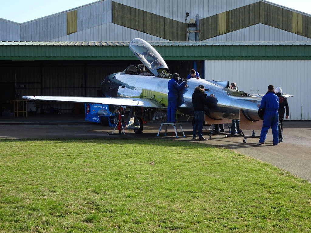 """Un T-33 Canadien arrive en France C-FUPK CT-133-AUP """"Silver star"""" Dsc04210"""