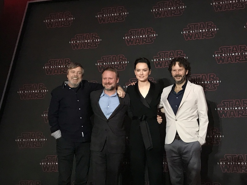 TLJ Press Tour (No Premiere/Screening Spoilers Allowed) - Page 6 Img_1044