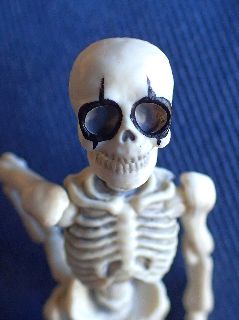 [Toys divers] 2 squelettes à la plage - Page 2 Alice210