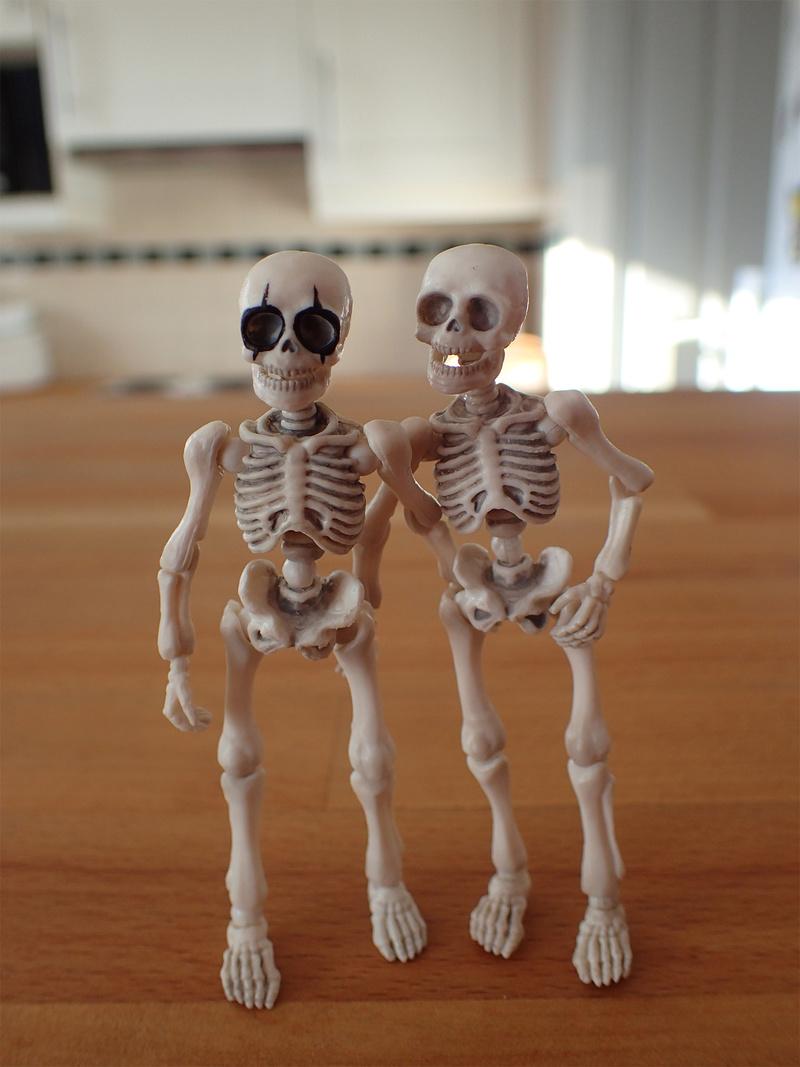 [Toys divers] 2 squelettes à la plage - Page 2 Squele12