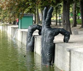 Les sculptures les plus insolite  - Page 2 323