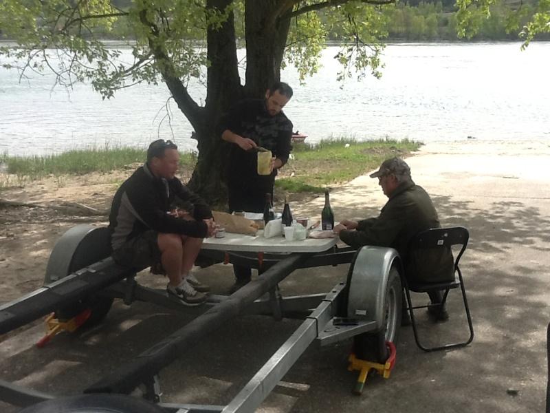 Une journée de pêche entre copains Image147