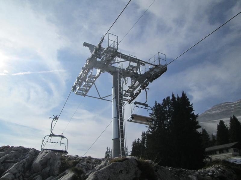 Construction du télésiège débrayable 4 places Le Fer-Brion-Tête d'Ai à Leysin VD Suisse (TSD4) - Page 2 Img_2110