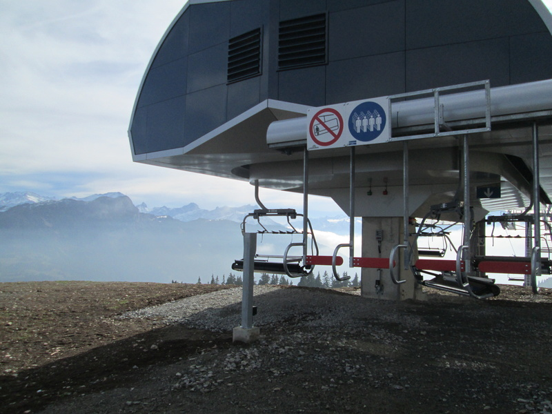 Construction du télésiège débrayable 4 places Le Fer-Brion-Tête d'Ai à Leysin VD Suisse (TSD4) - Page 2 Img_2111