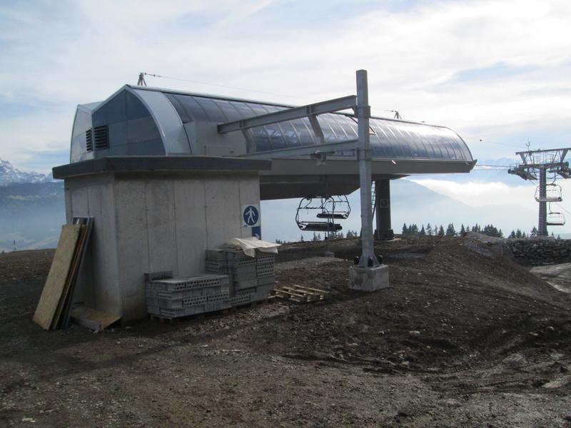 Construction du télésiège débrayable 4 places Le Fer-Brion-Tête d'Ai à Leysin VD Suisse (TSD4) - Page 2 Img_2114