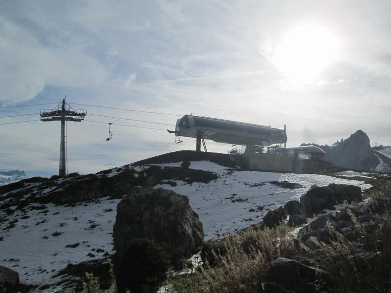 Construction du télésiège débrayable 4 places Le Fer-Brion-Tête d'Ai à Leysin VD Suisse (TSD4) - Page 2 Img_2124
