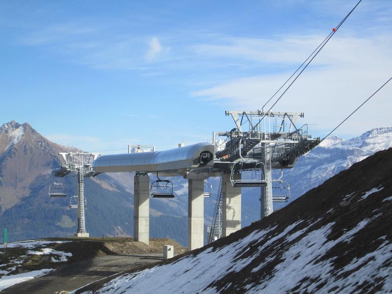 Construction du télésiège débrayable 4 places Le Fer-Brion-Tête d'Ai à Leysin VD Suisse (TSD4) - Page 2 Img_2128