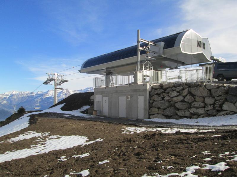 Construction du télésiège débrayable 4 places Le Fer-Brion-Tête d'Ai à Leysin VD Suisse (TSD4) - Page 2 Img_2129