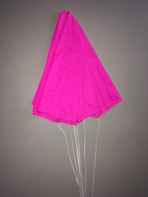 Pliage d'un parachute. Img_6017
