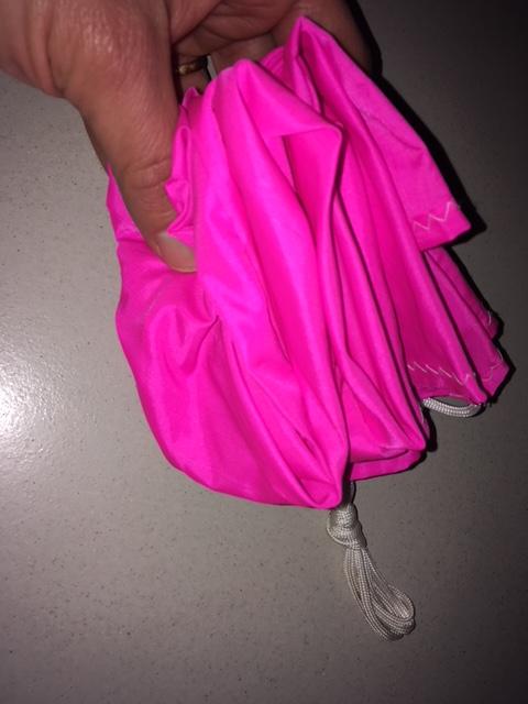 Pliage d'un parachute. Img_6025