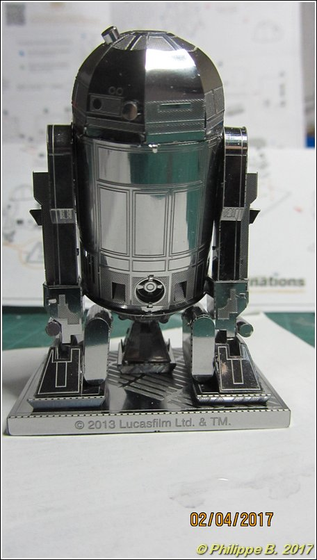 Pas grand chose dans ma vitrine ... R2-D2 26_80010