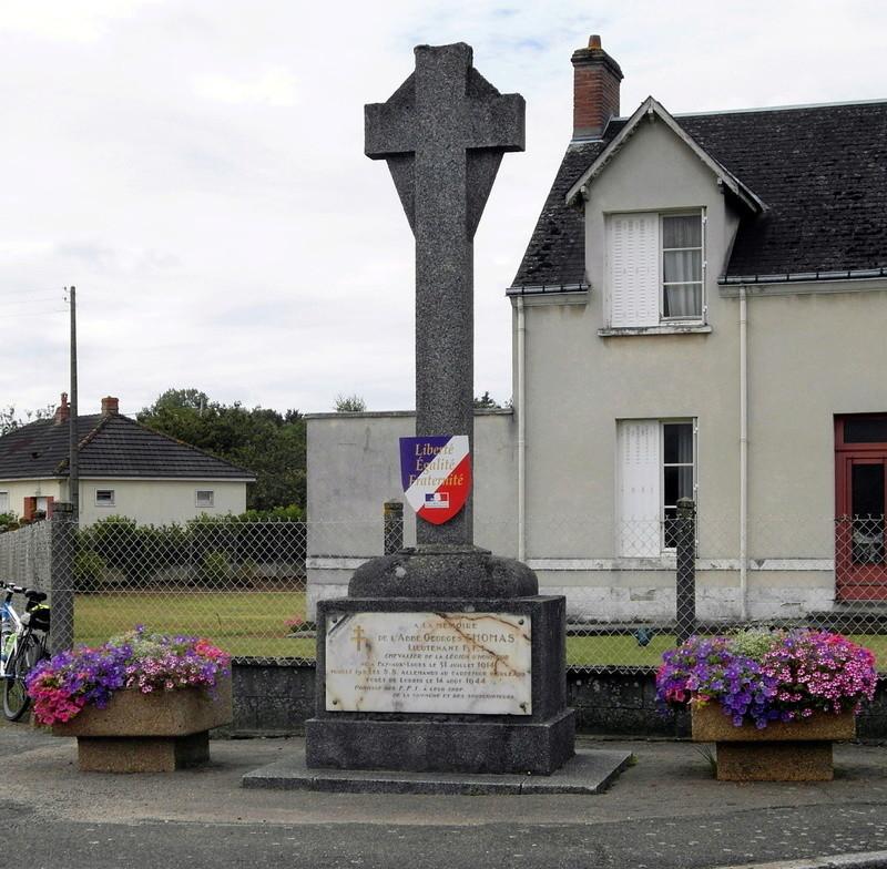 Fay Aux Loges- monument FFI Fay_au10