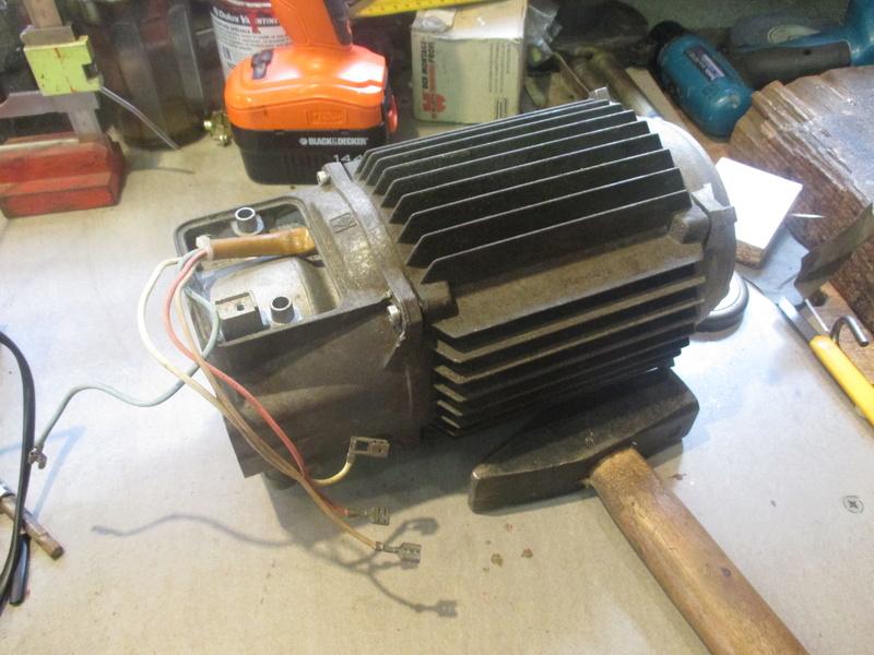 aide pour branchement moteur karcher  620M 220 volts Img_1810
