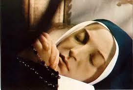 Faisons un pelerinage à Nevers :Sainte Bernadette et son corps incorrompu Bernad12