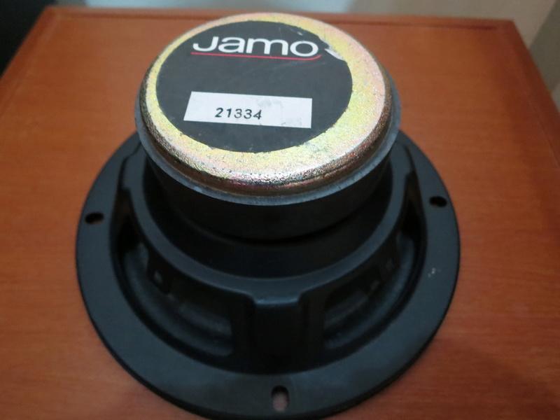 "JAMO 21334 5-3/4"" Woofer 4 Ohm Img_0712"