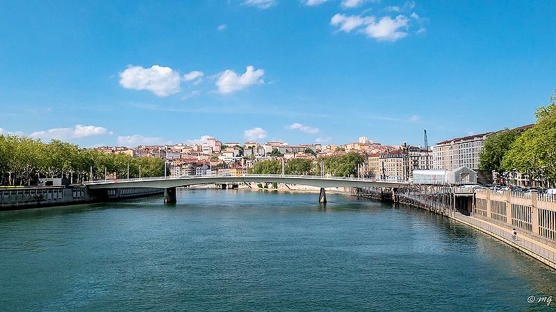 Vu sur la Croix-Rousse depuis la Saône 40809610