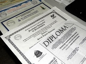 Comprar Diplomas Universitários, Vendo Diplomas Superior Compra10
