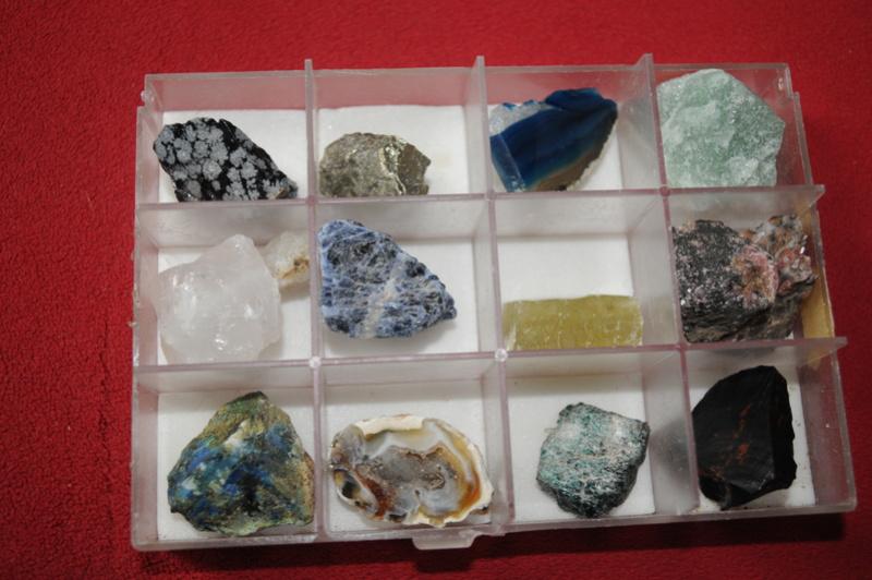 Besoin de vous pour identifier ces pierres Mar_3121
