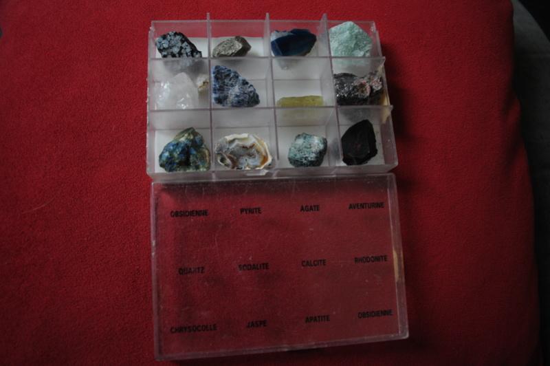 Besoin de vous pour identifier ces pierres Mar_3122