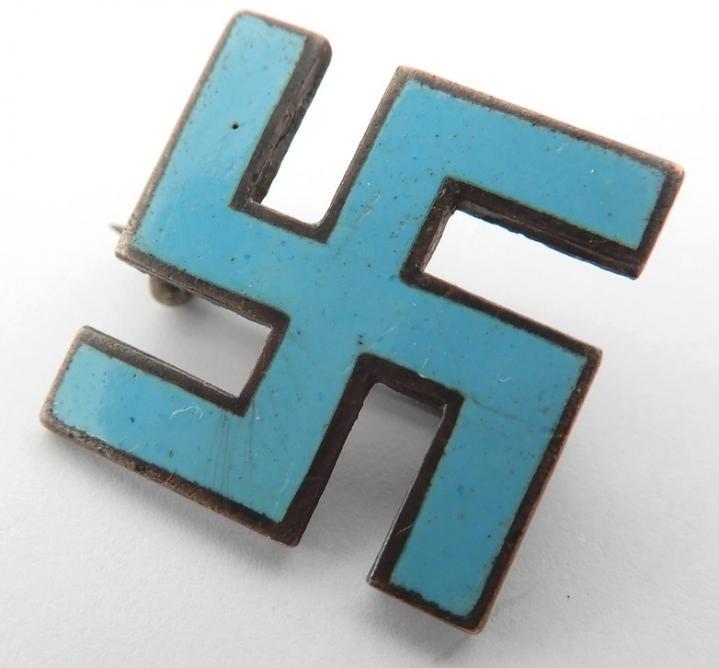 Insigne inconnue : swastika bleu ? 5616310