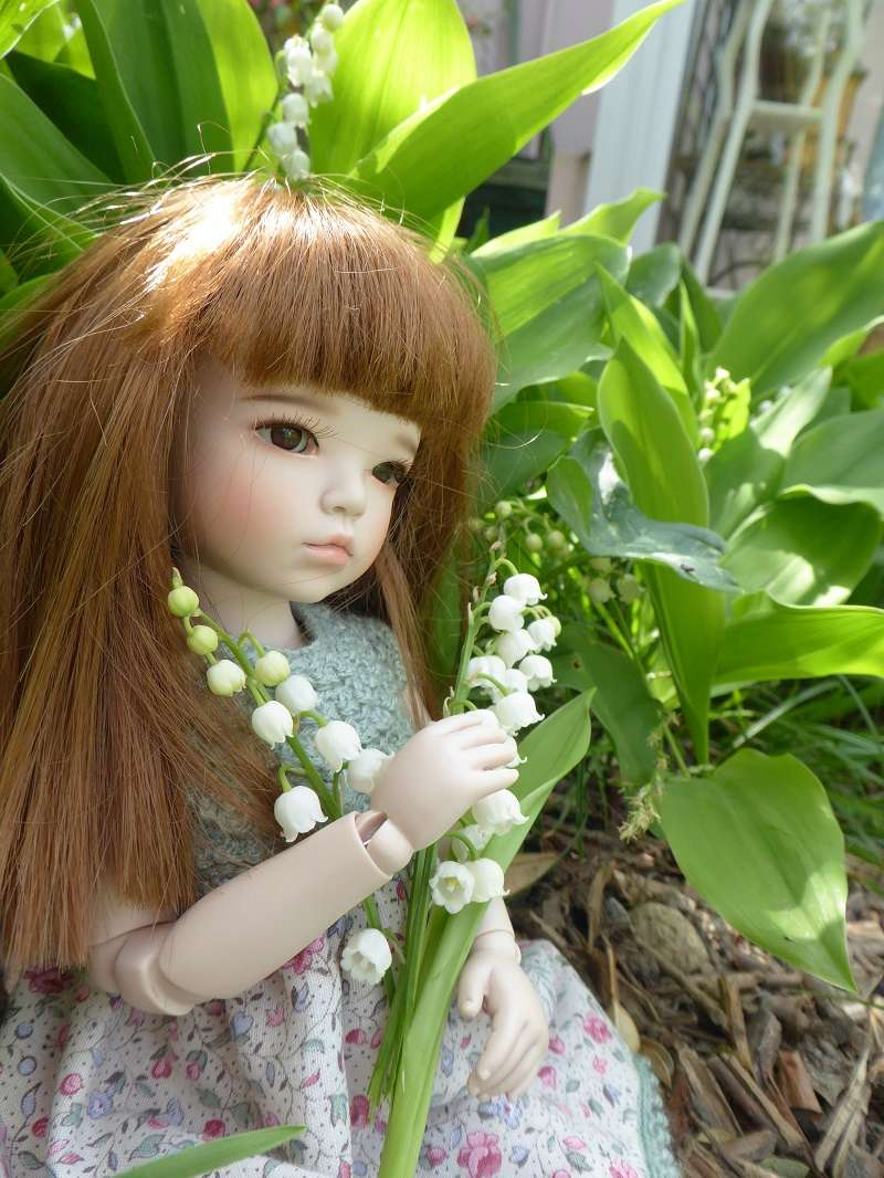 Candy, une Raccoon Doll qui aime les fleurs Candy110