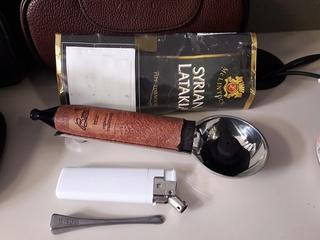 """L'inspecteur mène l'enquête ! indice""""1/10"""" du tabac dans sa pipe. - Page 2 Mclint22"""