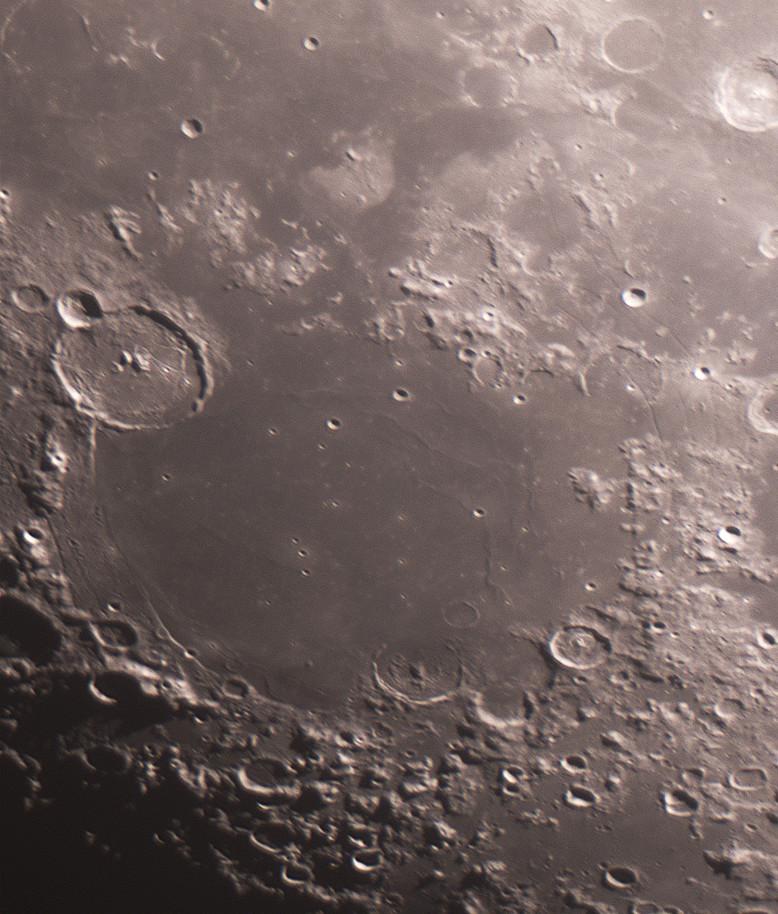 La Mer des Humeurs, et quelques gros plans lunaires du 31 octobre Mare_h10