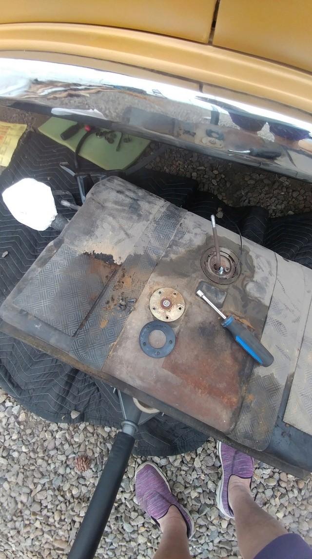 GMC Jacke's van - Page 23 Tank_l11