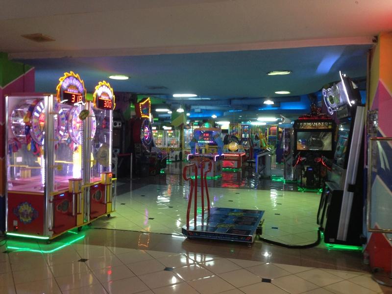 Une salle pas sale (ou les dernières salles d'arcade )  Img_3615