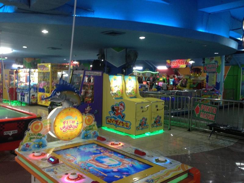 Une salle pas sale (ou les dernières salles d'arcade )  Img_3617