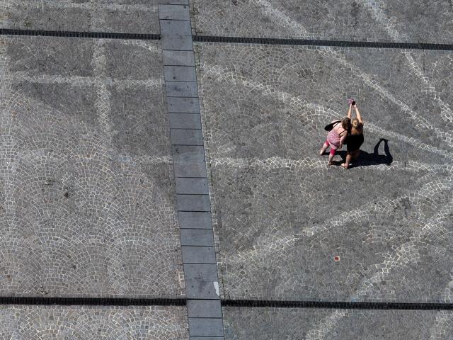 sur les pavés, les ombres P4201111