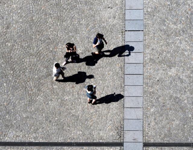 sur les pavés, les ombres P4201112