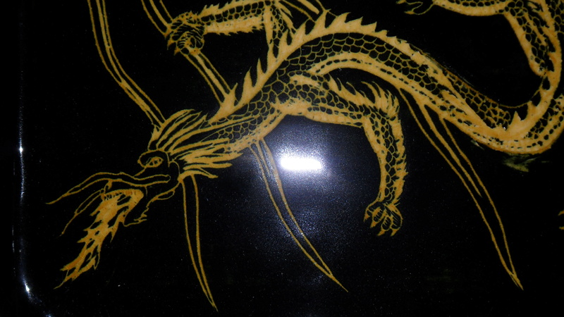 Superb dragon plate incised pattern Sam_7422