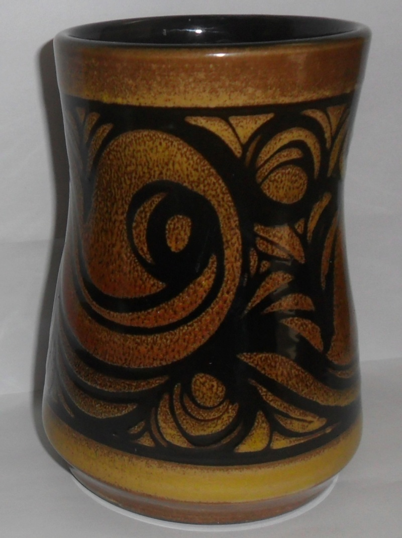 POOLE AEGEAN VASE BUT HAS UNUSUAL STAMP Sam_8317