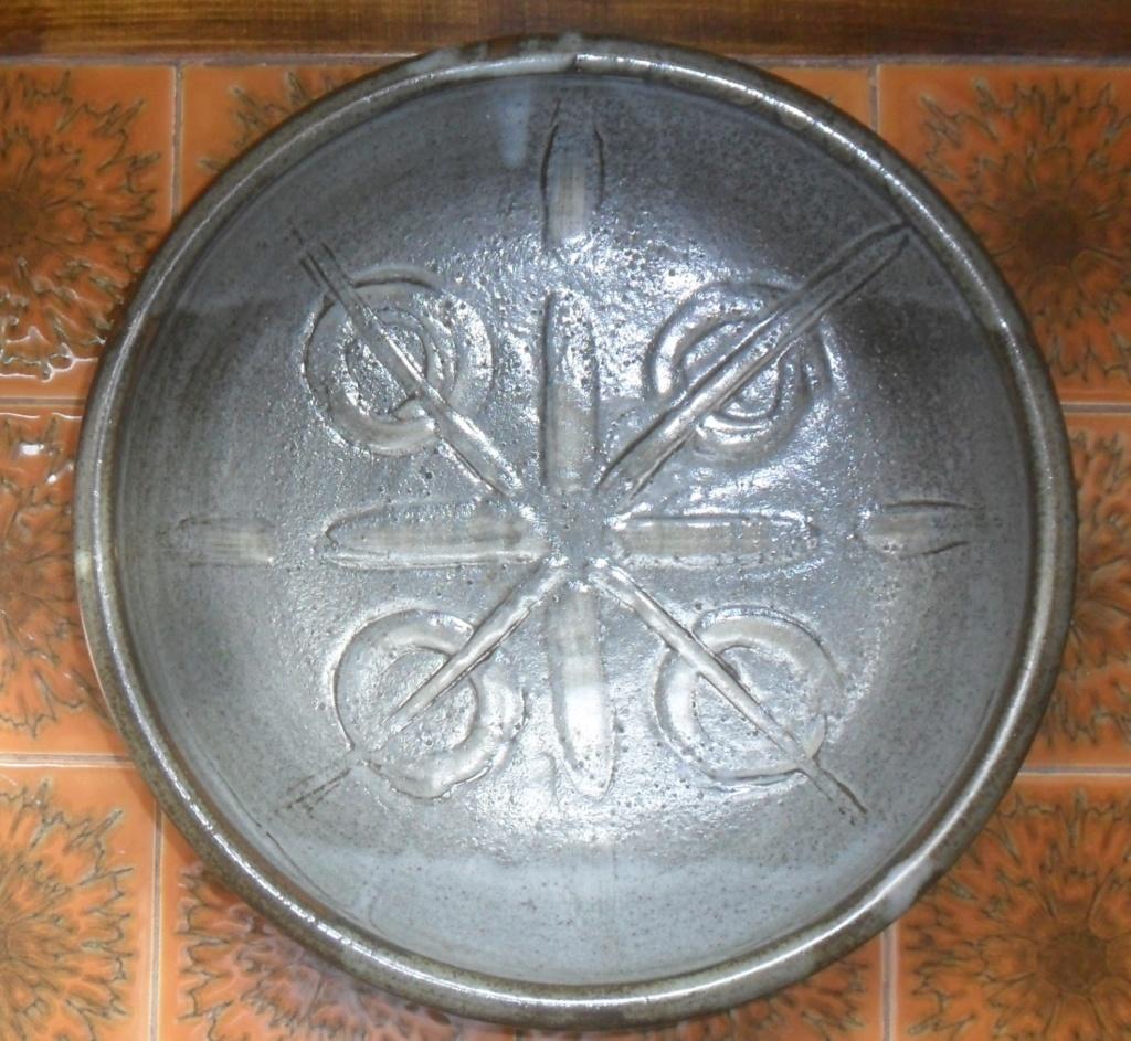 A large bowl - Probably John Lomas Sam_8415