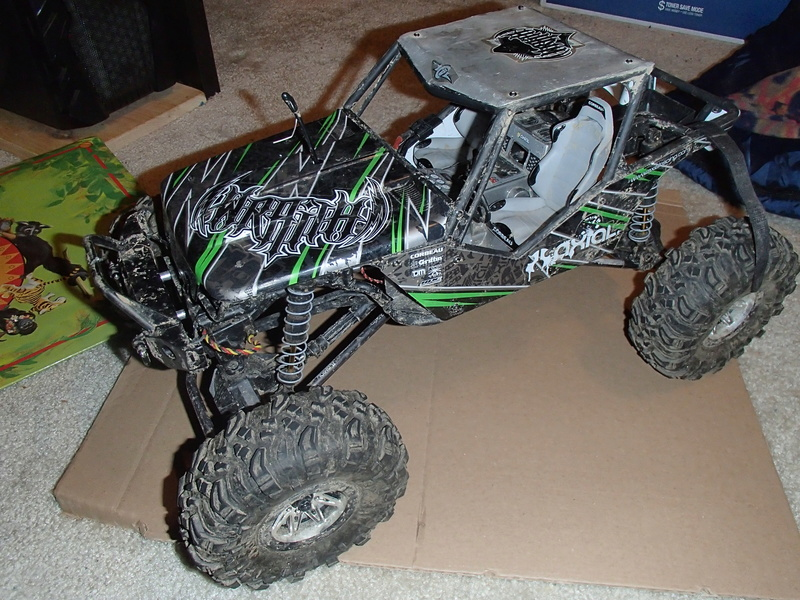 Traxxas 1/10 E-Revo Brushless Edition (SOLD) Pb010111