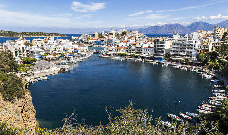 Luka-marina-port - Page 15 Greece10
