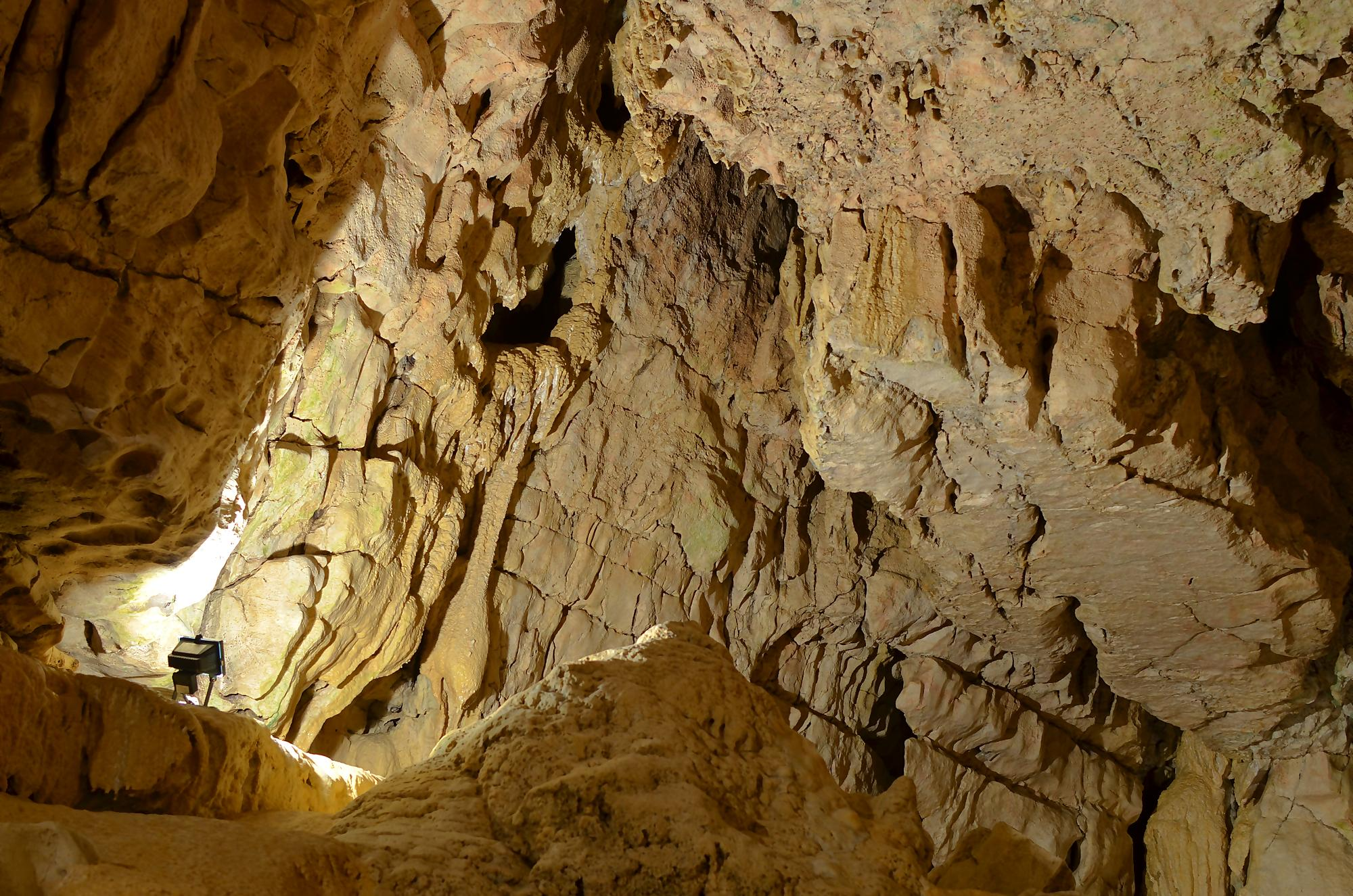 Pećine - Page 37 Grotte12