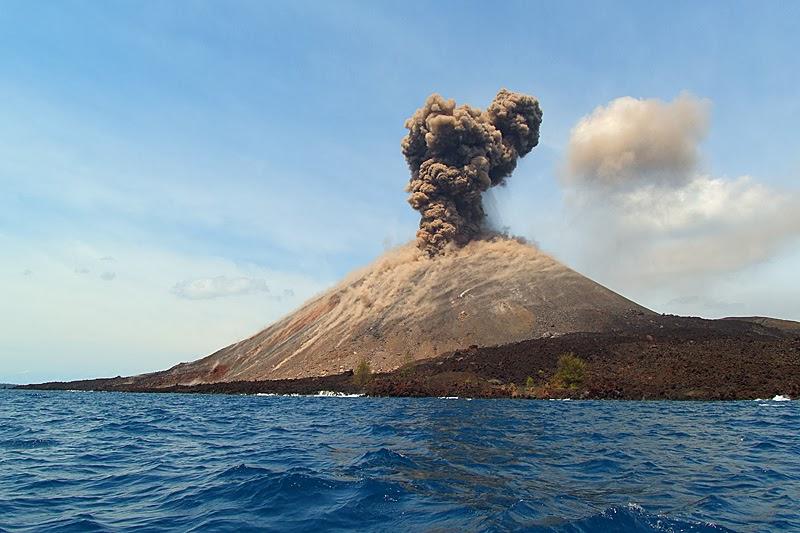 Vulkani - Page 28 Krakat10