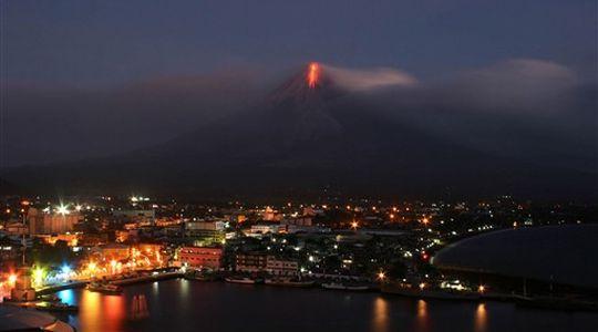 Vulkani - Page 27 Mayon-10