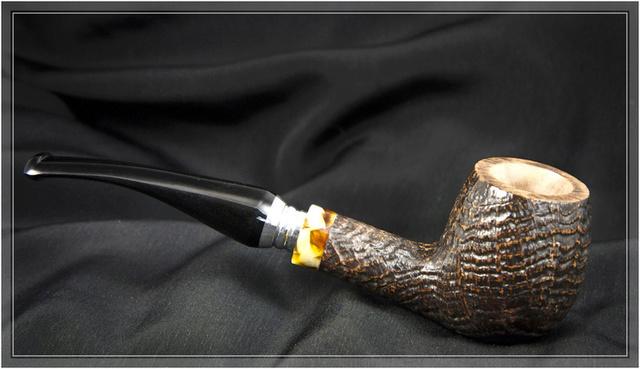 Ave 16 ar, fumituri te salutant  Pipe_c17