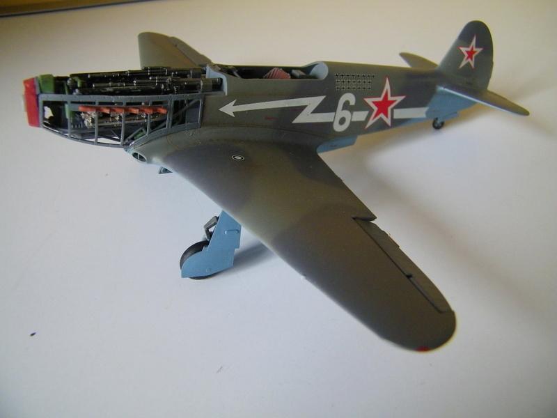 Yak 3 de Zvezda au 1/48e - Page 2 100_5734