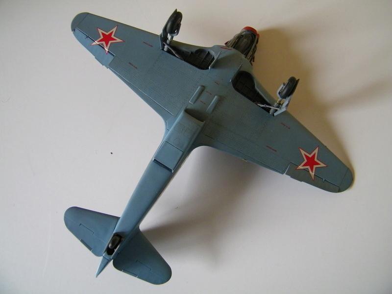 Yak 3 de Zvezda au 1/48e - Page 2 100_5736