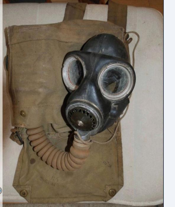 Masque à gaz anglais... Britis13