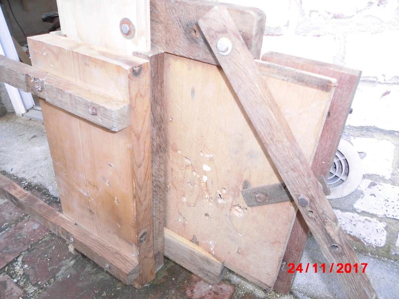 mortaiseuse toute en bois  Cimg1126