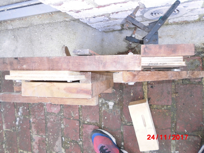 mortaiseuse toute en bois  Cimg1128