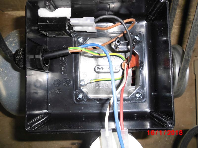Branchement pour invertion de rotation d un moteur monophasé Cimg1414